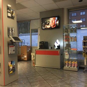 Photo Of Holst U0026 Pieper   Hamburg, Germany. Waiting Room TV And Coffee  Machine