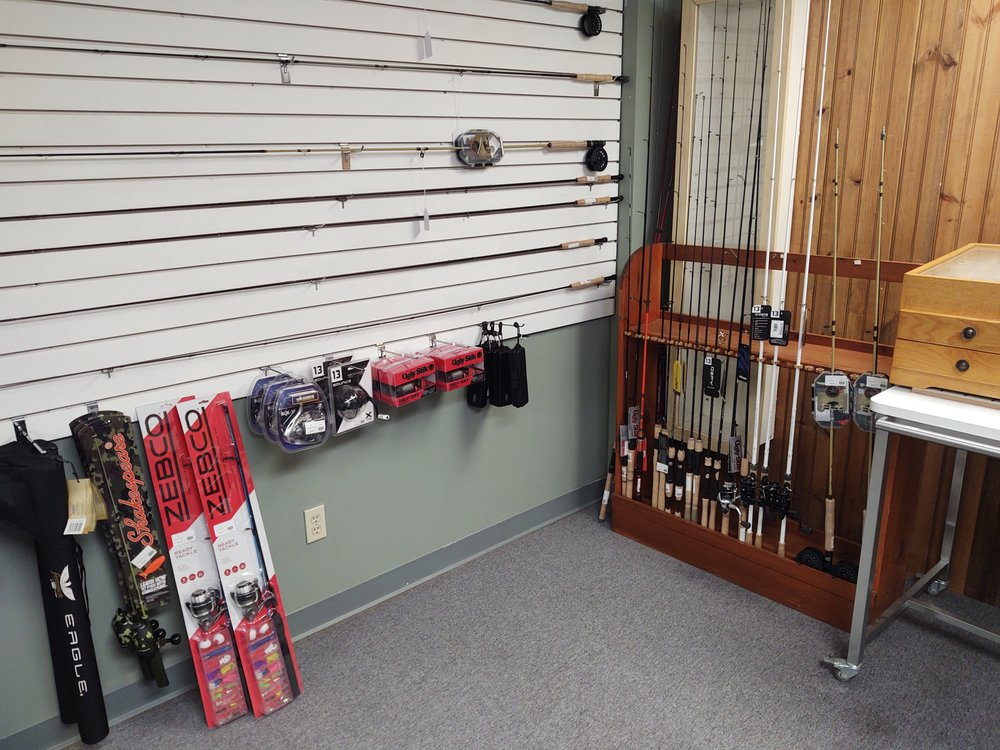 Dewhurst Outfitters: 50 White Mountain Hwy, Conway, NH
