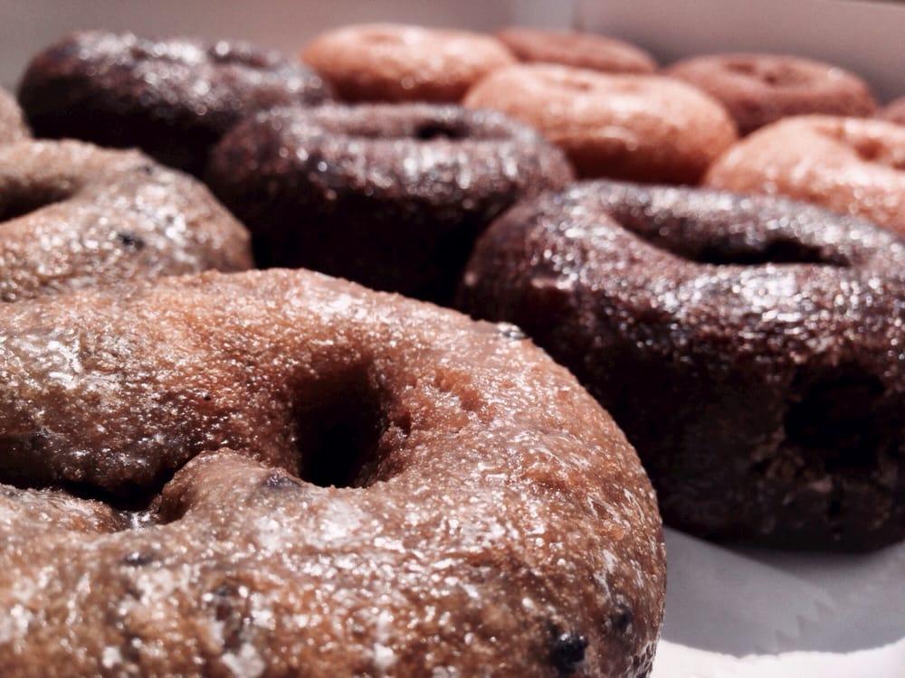 RingO's Donuts: 1200 S Church St, Smithfield, VA