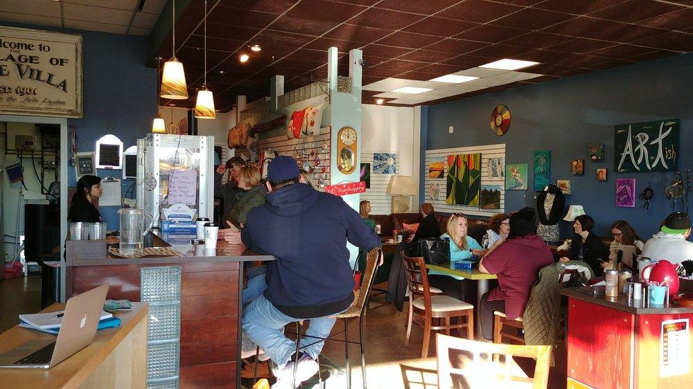 Daisy's Artish Cafe: 216 N Milwaukee Ave, Lake Villa, IL