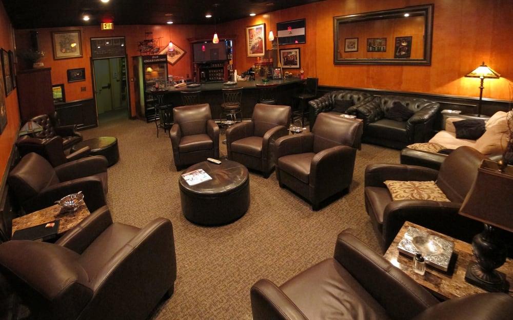 D & S Cigar Lounge
