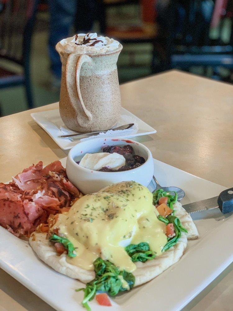 Caffe Tlazo: 607 4th St, Algoma, WI