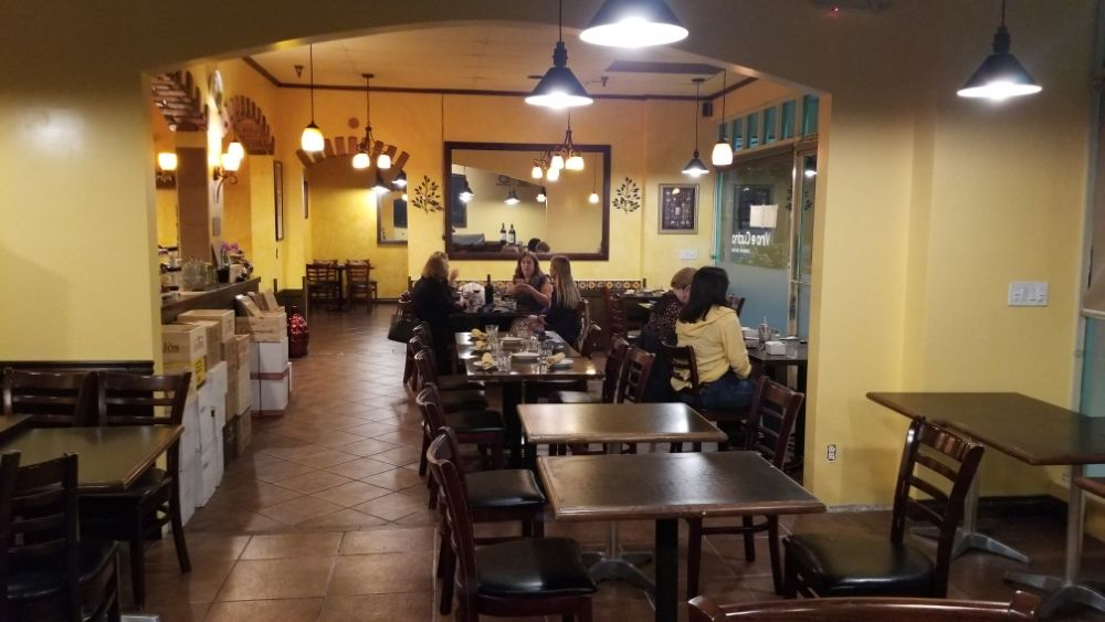 Vino e Cucina: 4501 E Carson St, Long Beach, CA