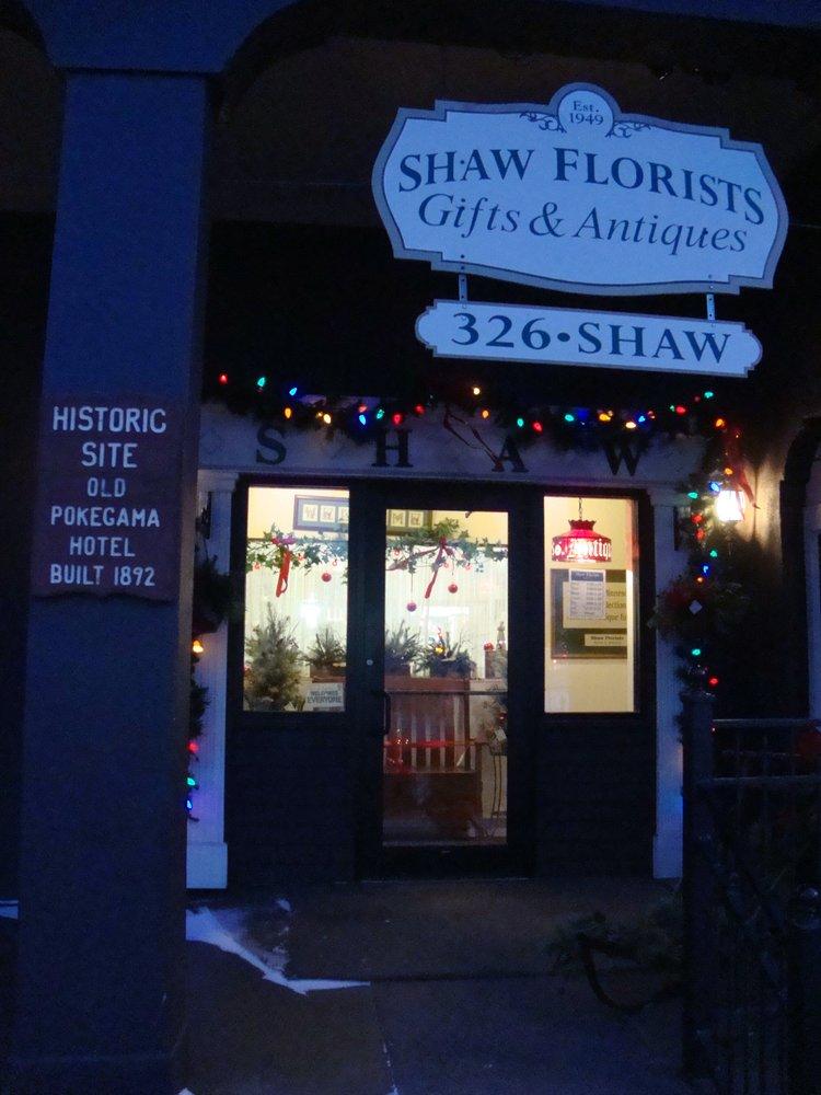 Shaw Florists: 2 NE 3rd St, Grand Rapids, MN