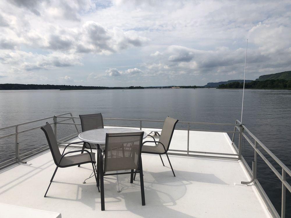 Great River Houseboats at Alma Marina: 125 Beach Harbor Rd, Alma, WI