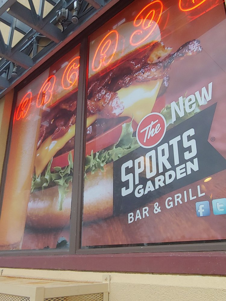 The Sports Garden: 425 S Lake Ave, Duluth, MN