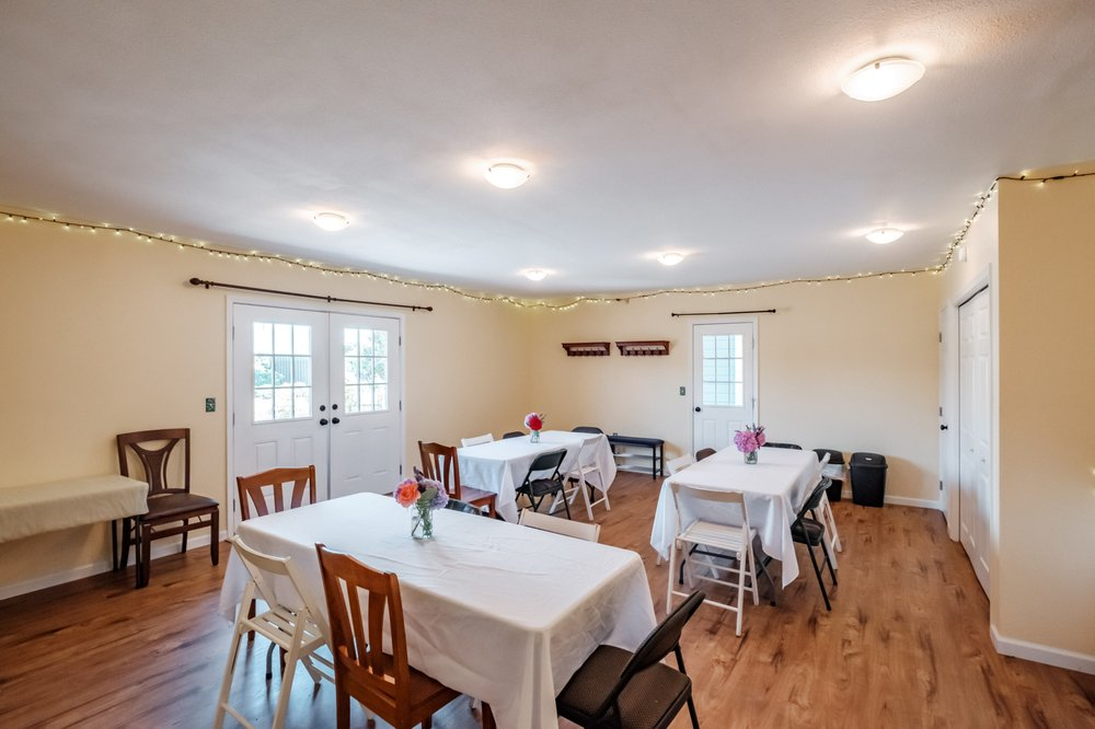 MaMere's Guest House: 212 Knox St N, Monmouth, OR
