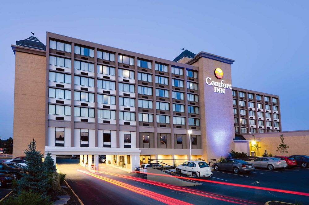 Comfort Inn & Suites Event Center: 929 3rd St, Des Moines, IA