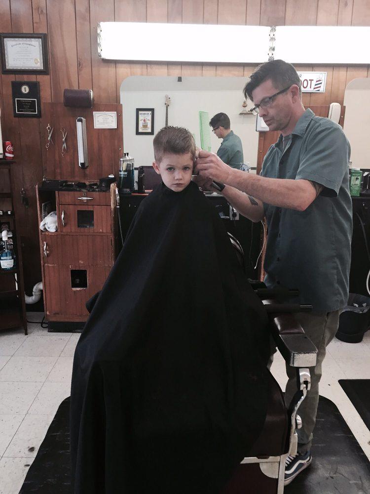 Downtown Barber Shop: 131 W Davis St, Burlington, NC