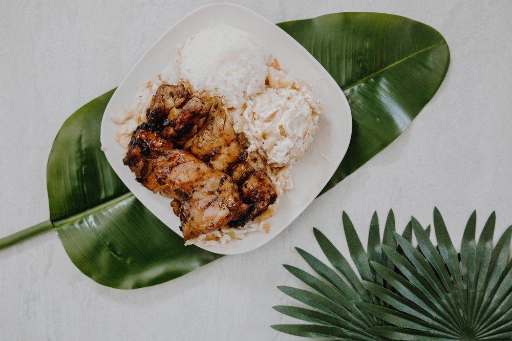 Food from Mo' Bettahs Hawaiian Style Food