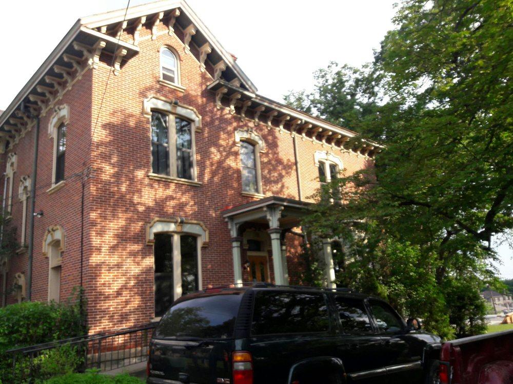 Andrew Bayne Memorial Library: 34 N Balph Ave, Pittsburgh, PA