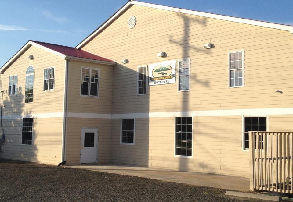Warrenton Arms & Outdoors: 105 W Shirley Ave, Warrenton, VA