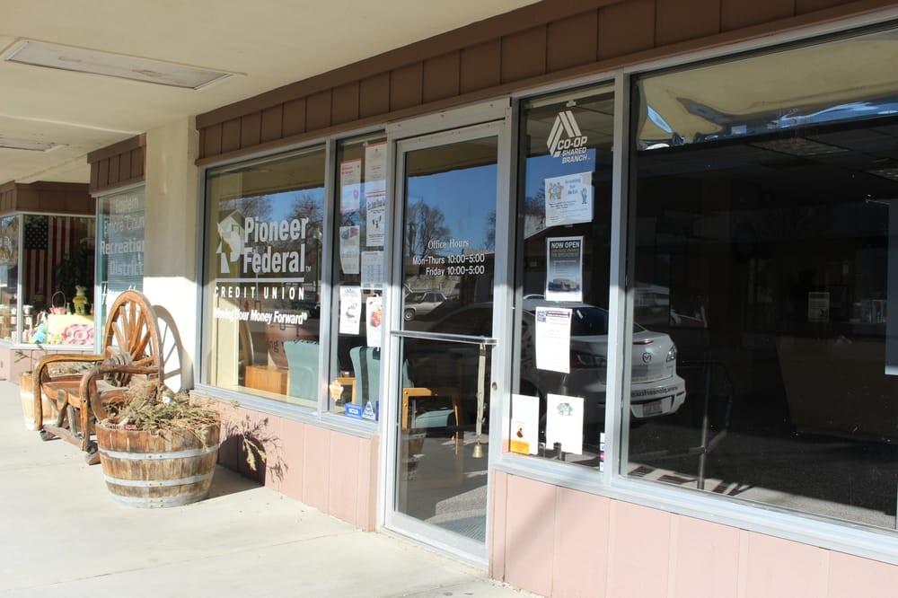 Pioneer Federal Credit Union: 70 Commercial, Glenns Ferry, ID