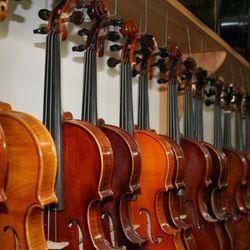 Violin Shop of Old Carmel - 1121 S Rangeline Rd, Carmel, IN - 2019