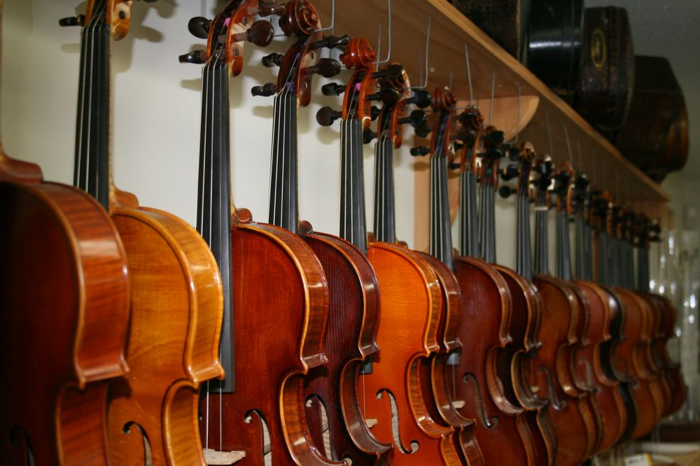Violin Shop of Old Carmel: 1121 S Rangeline Rd, Carmel, IN