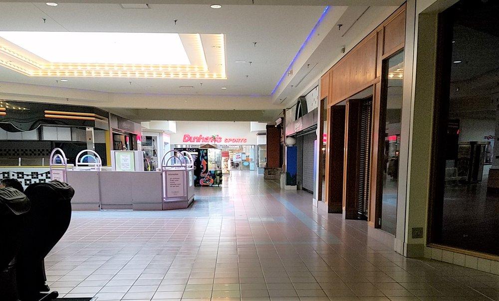 Fair Oaks Mall: 2380 25th St, Columbus, IN