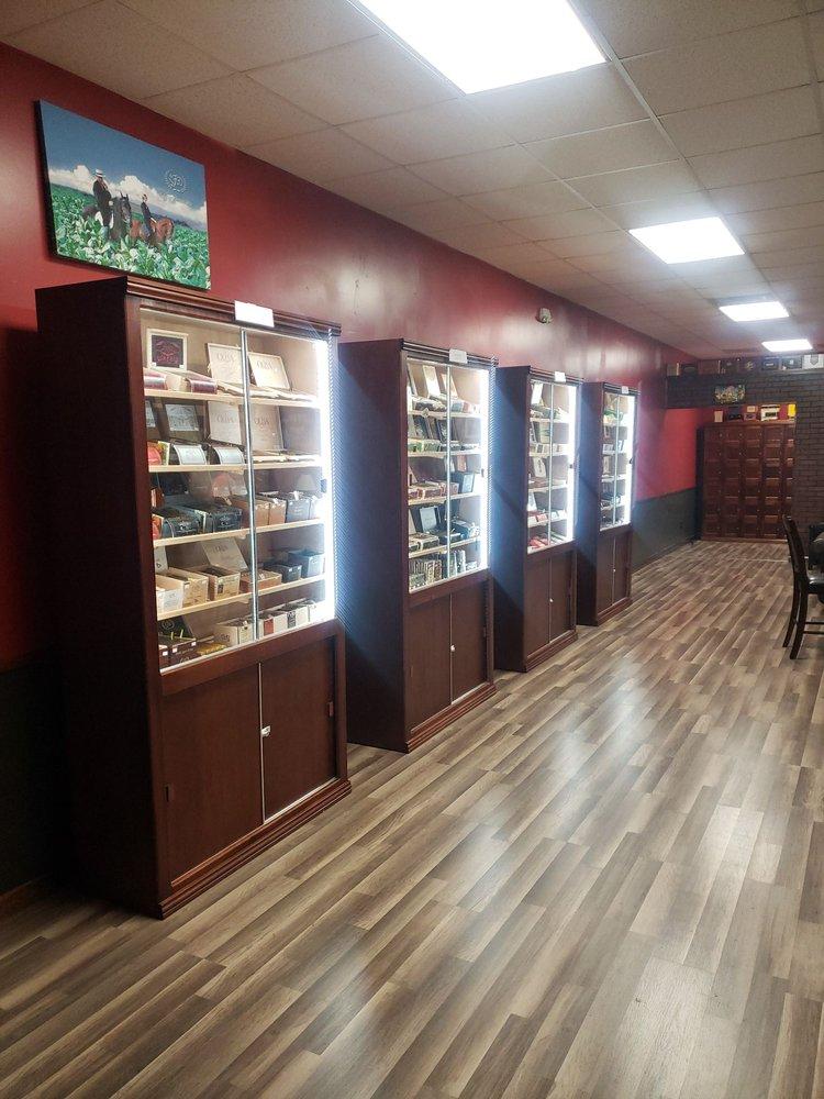 Iron Horse Cigar Lounge: 145 Jefferson Davis Hwy, Aiken, SC