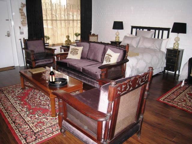 Chiltern Cottage and Indigo Suite