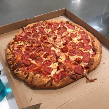 costco food court 56 photos amp 44 reviews pizza 4401
