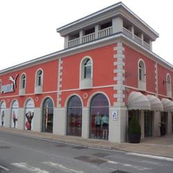 best website 4c51e 99d1d PUMA Outlet - Negozi di scarpe - Strada Provinciale 126 ...