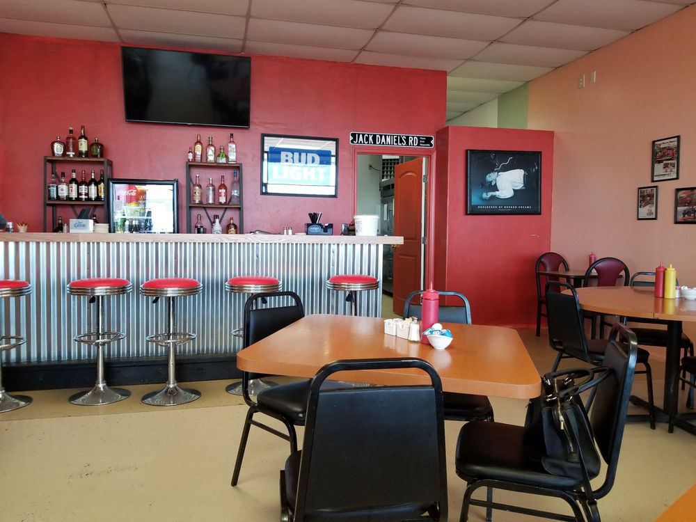 Kim's Diner: 1129 AZ-89, Chino Valley, AZ