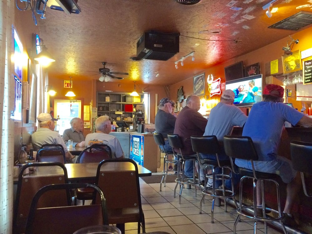 Deb's Place: 5016 Old Rt 35, Jamestown, OH