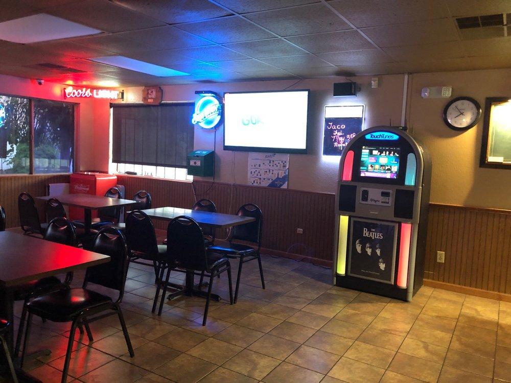 Hooch & Sixteen's: 1511 Pontoon Rd, Granite City, IL