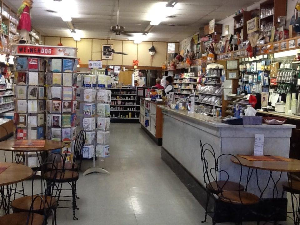 Dicks Pharmacy: 118 S Vine St, Arthur, IL