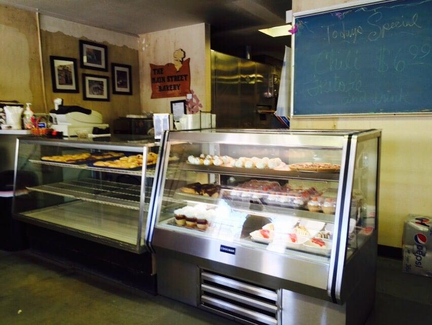 Main Street Bakery: 136 E Main St, Wilburton, OK