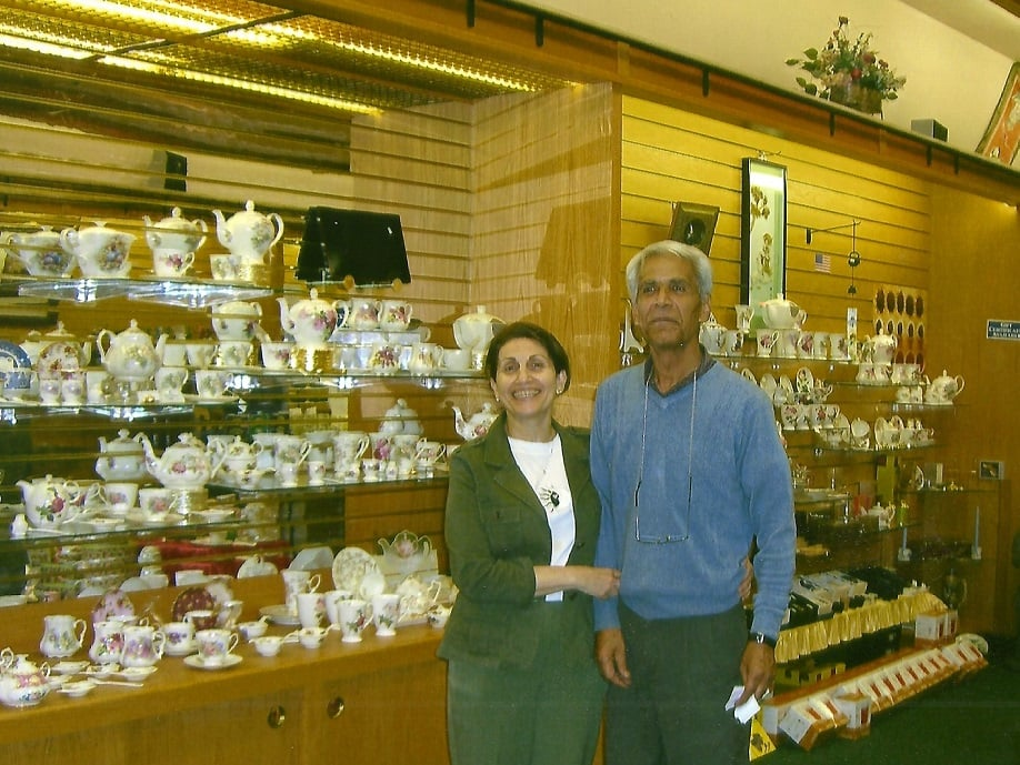 Morteza and tee husband and wife owners of tiffany 39 s tea for Crafts and stuff vero beach