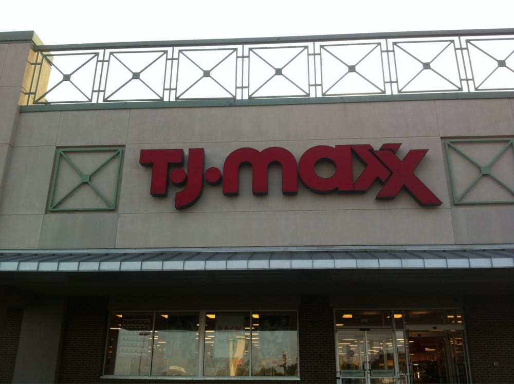 TJ Maxx: 1325 S Caraway Rd, Jonesboro, AR
