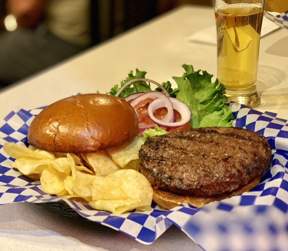 Beartooth Cafe: 207 E Main St, Cooke City, MT