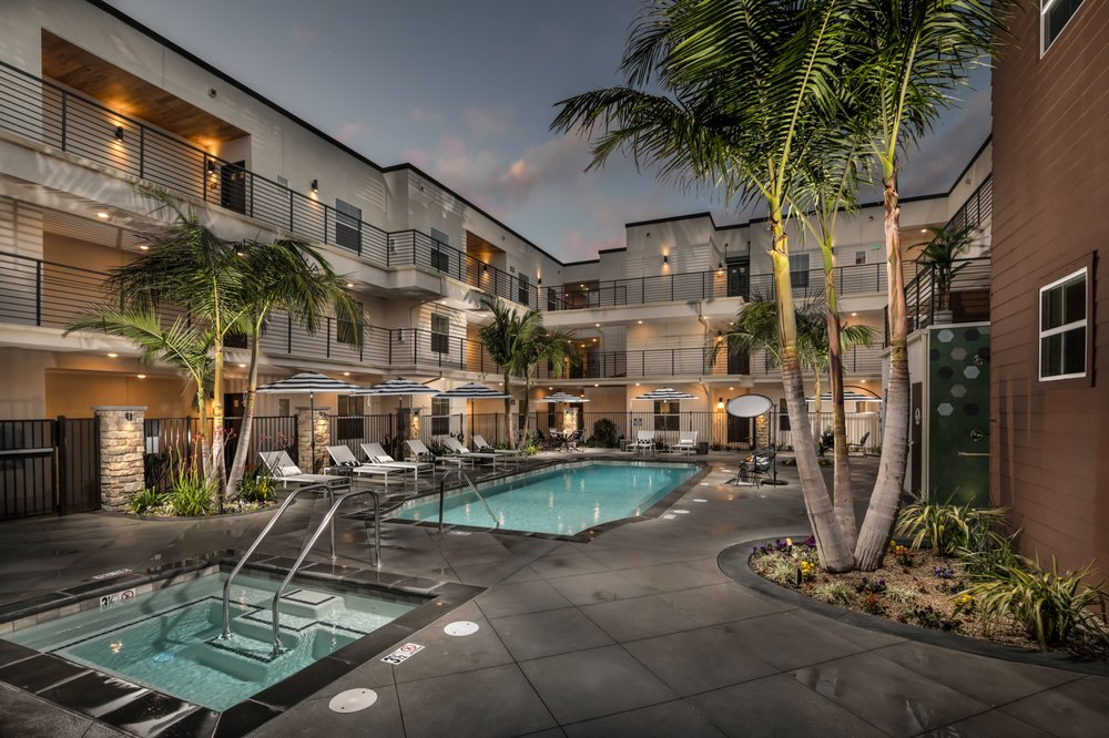 Lincoln West Apartments: 4550 Lincoln Ave, Cypress, CA