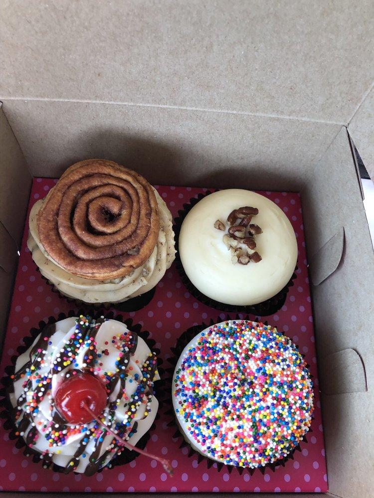Smallcakes Manahawkin: 399 N Main St, Manahawkin, NJ