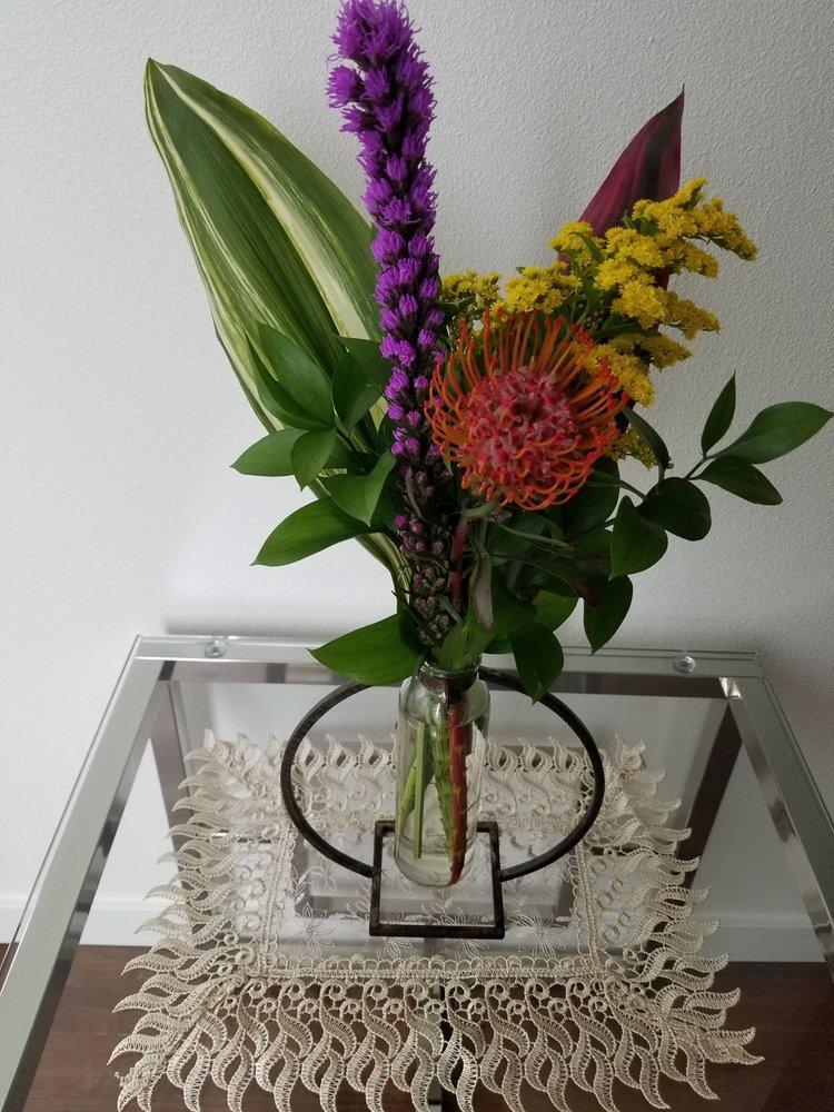 LilyRoot Flowers