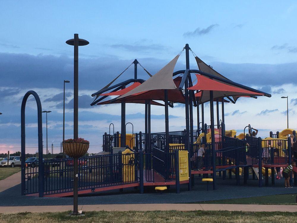 Southwind Park: 4965 S 2nd St, Springfield, IL