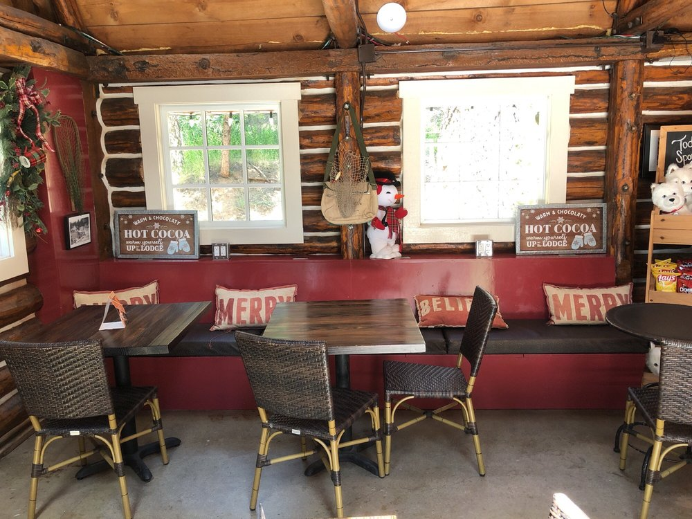 Kringle's Coffee & Gifts: 28950 CA-18, Skyforest, CA