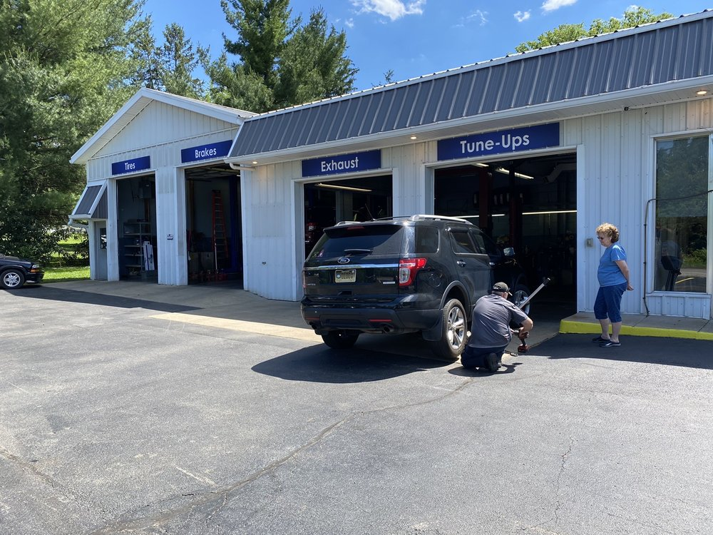 Pewee Valley Auto Service: 406 Central Ave, Pewee Valley, KY