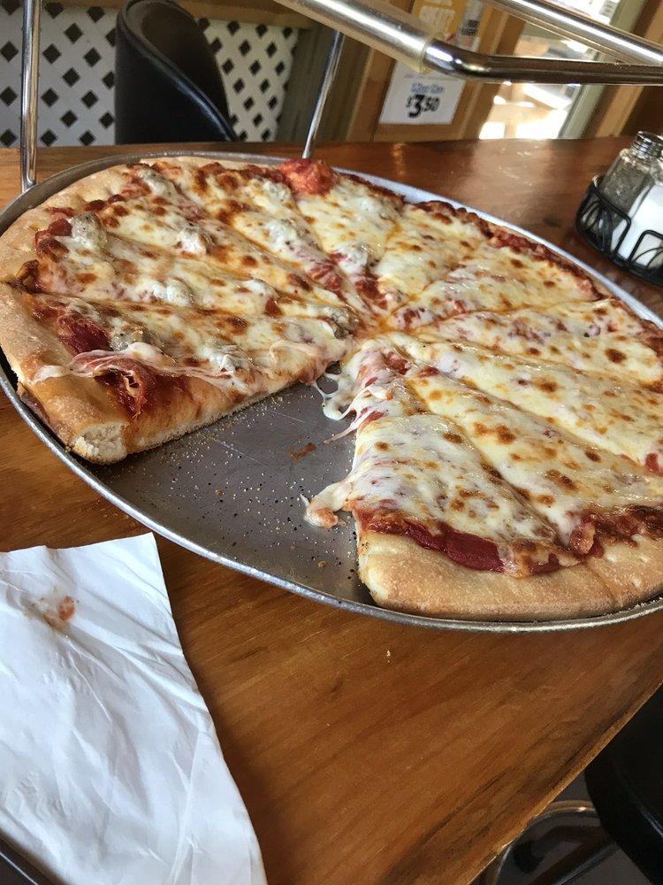 Trail Break Pizza Pies & Trail Supplies: 309 Trail St, La Valle, WI