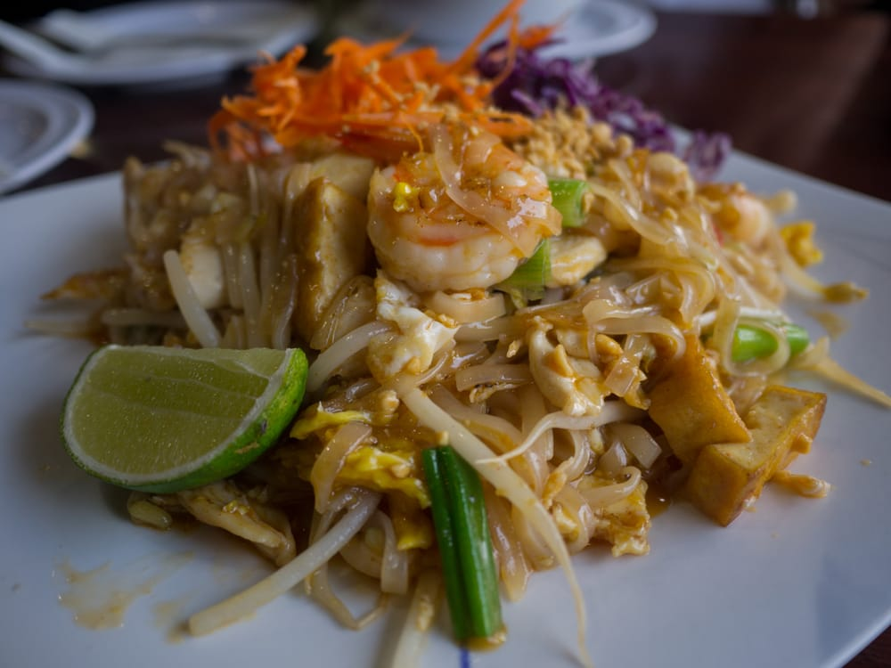 Prael 201 photos 171 reviews thai restaurants 4620 for Authentic thai cuisine los angeles ca