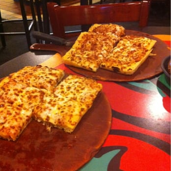 Pizza Hut 15 Photos 17 Reviews Pizza 31621 Gratiot Ave