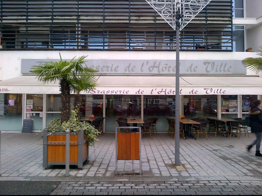 Bar brasserie de l h tel de ville brasseries 5 - Piscine charles de gaulle ...