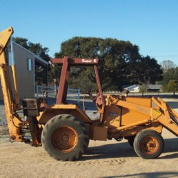 Broken Tractor - Farming Equipment - 4147 W E Heck Ct, Baton