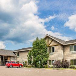rodeway inn suites 16 photos hotels 1738 comfort drive rh yelp com
