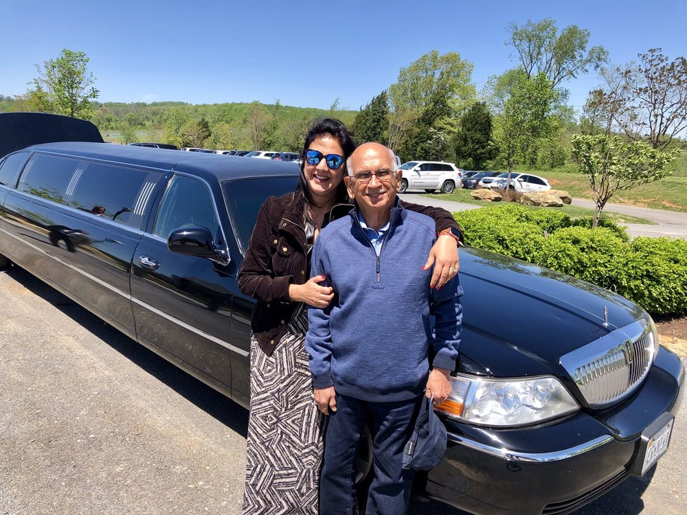 Crown Limo Service: 5700 Oak Apple Ct, Burke, VA