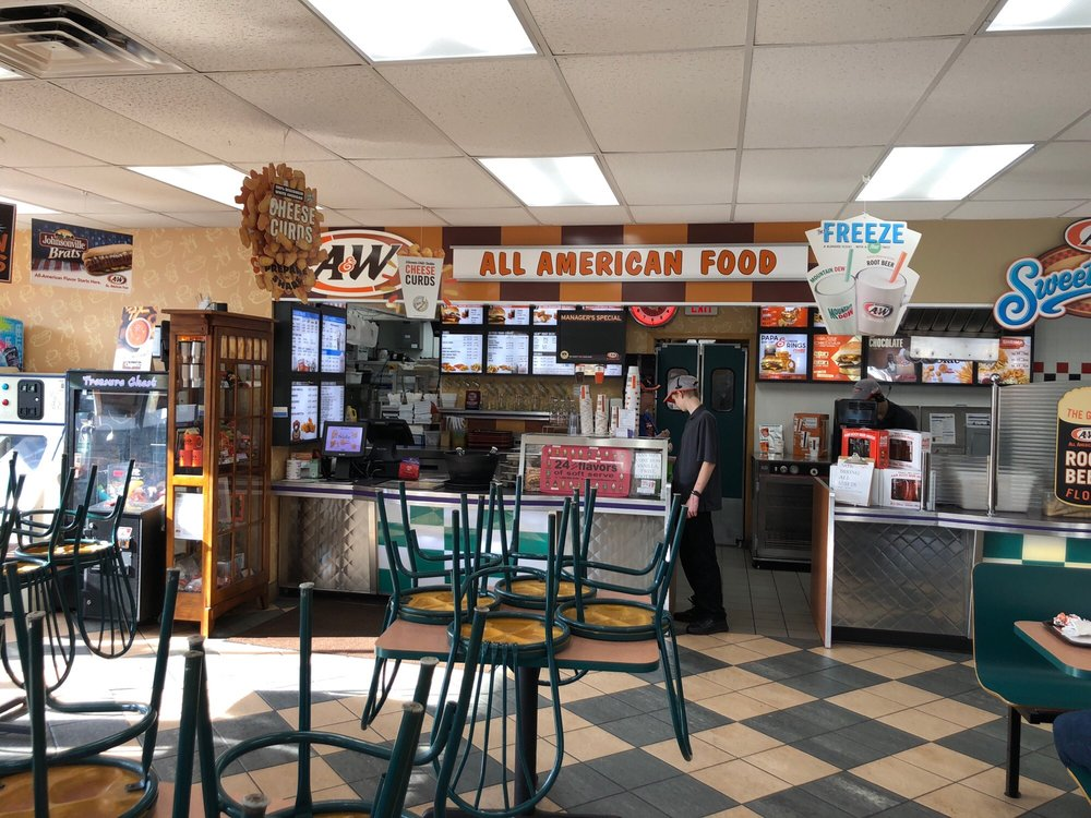 A&W Restaurant: 215 W Follett, Coloma, WI