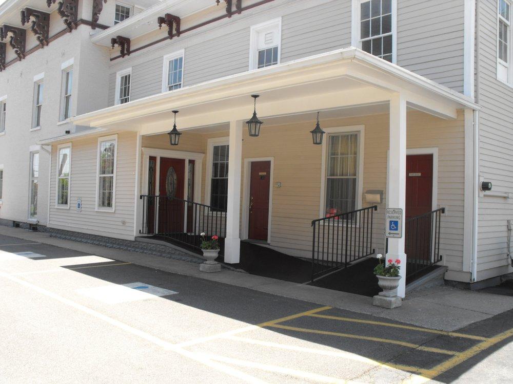 H.E. Turner & Co: 403 E Main St, Batavia, NY