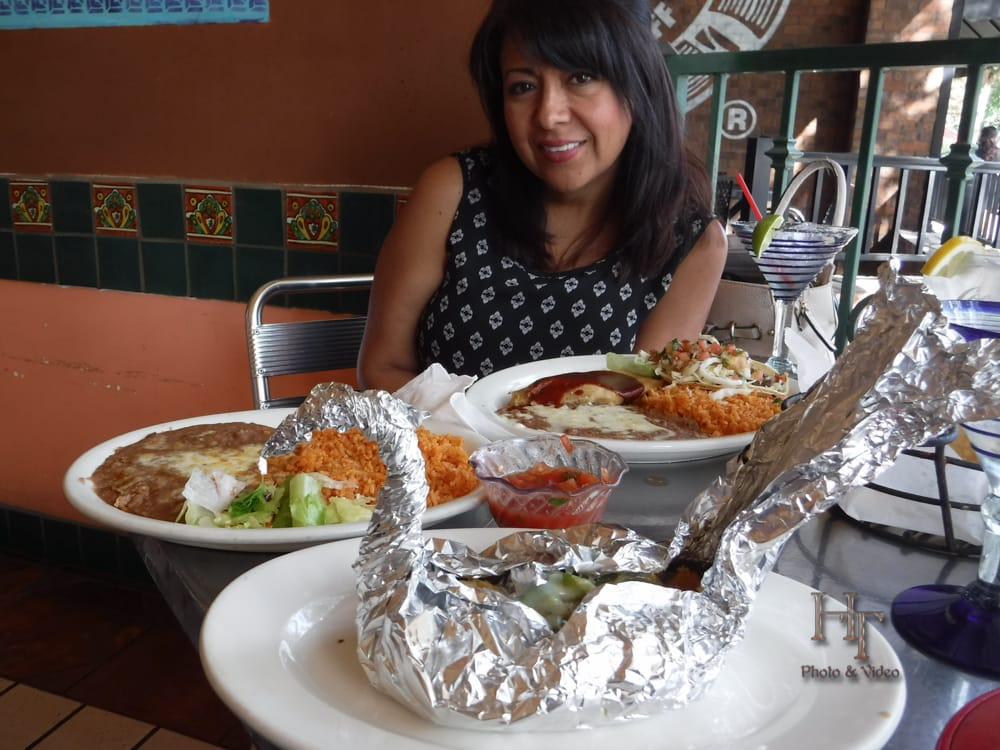 Pesca relleno wrapped in foil filled with sea bass shrimp for Alejandra s mexican cuisine