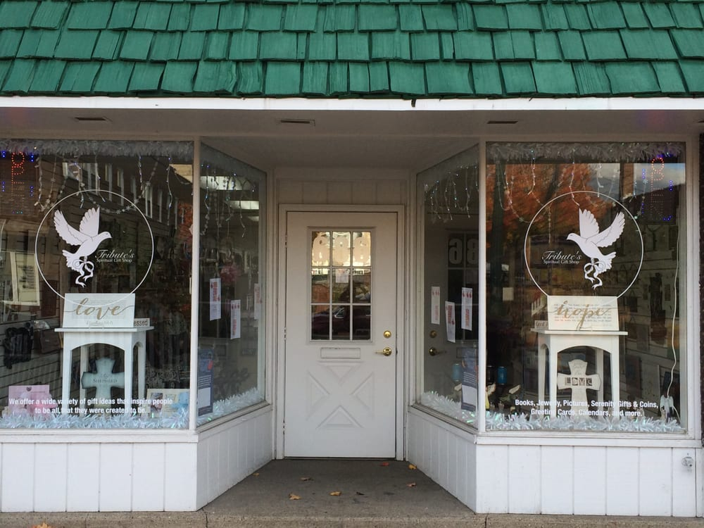 Tribute's Spiritual Gift Shop: 686 Broadway Ave, Bedford, OH