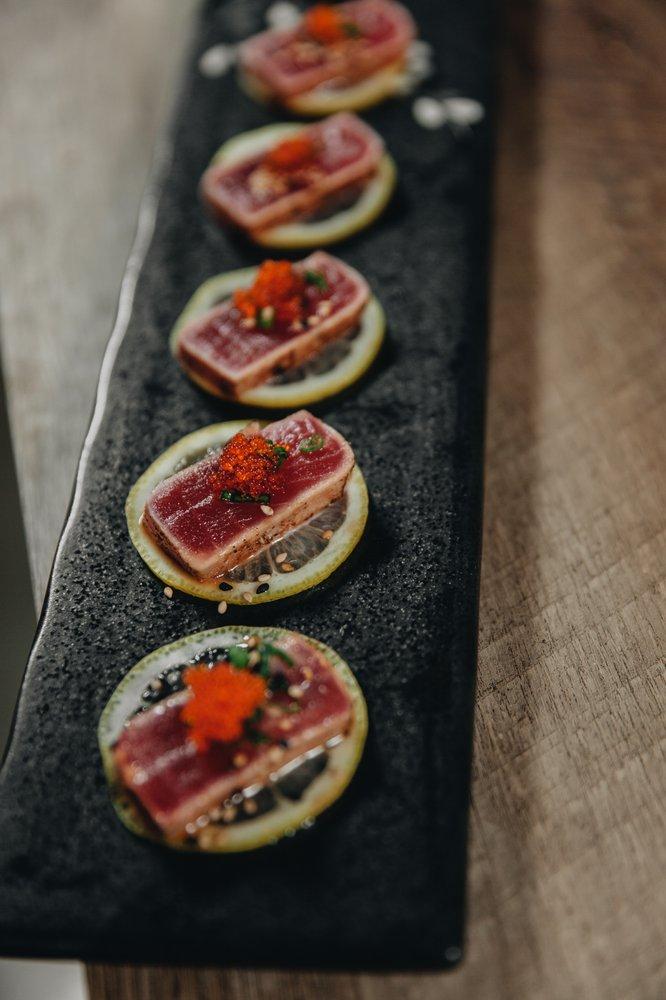 Momiji Sushi Bar & Restaurant: 2195 Hyacinth St NE, Salem, OR